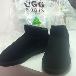 UGG BOOTS - BRAND NEW